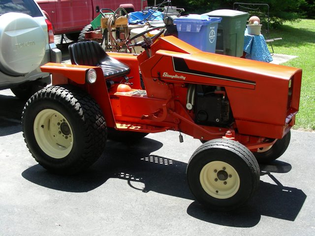Allis Chalmers Lawn And Garden Tractors