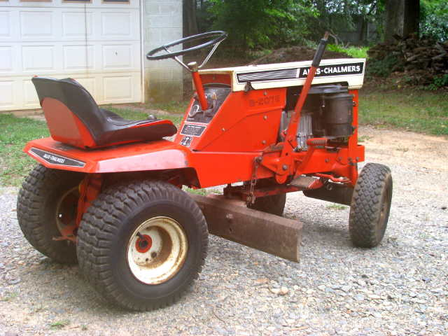 Lovely Michaelu0027s Tractors (Simplicity And Allis Chalmers Garden Tractors)   Allis  Chalmers B 207E