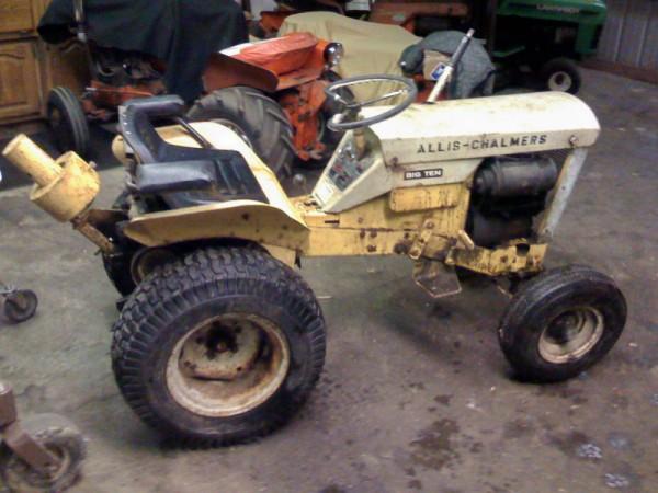 Michaelu0027s Tractors (Simplicity And Allis Chalmers Garden Tractors)