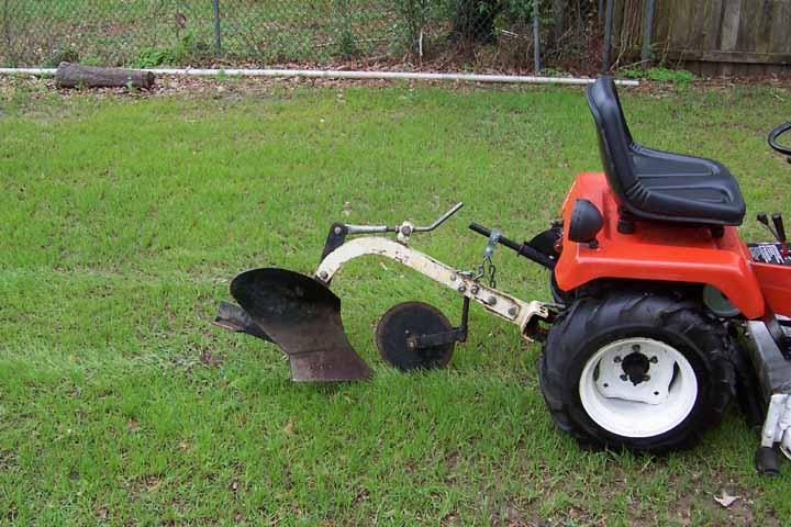 Michaels Tractors Simplicity and Allis Chalmers Garden Tractors